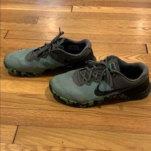 Nike Training size 12.5 Metcon 2 gray green black